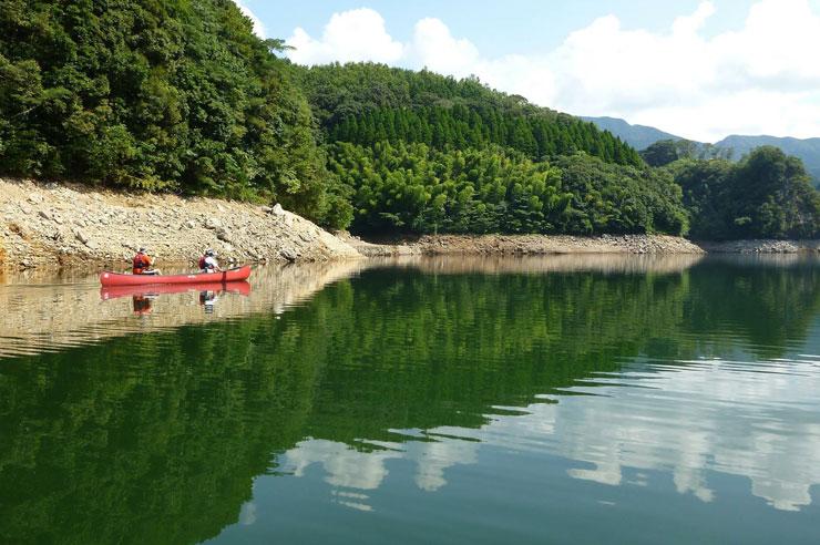 班蛇口湖の様子